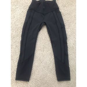 Lululemon Size 6 All The Right Places Crop Legging